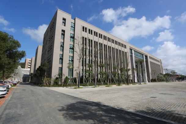 行政教学楼.JPG